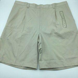 Nike Golf Shorts Mens Size 40 Khaki Pleated Front